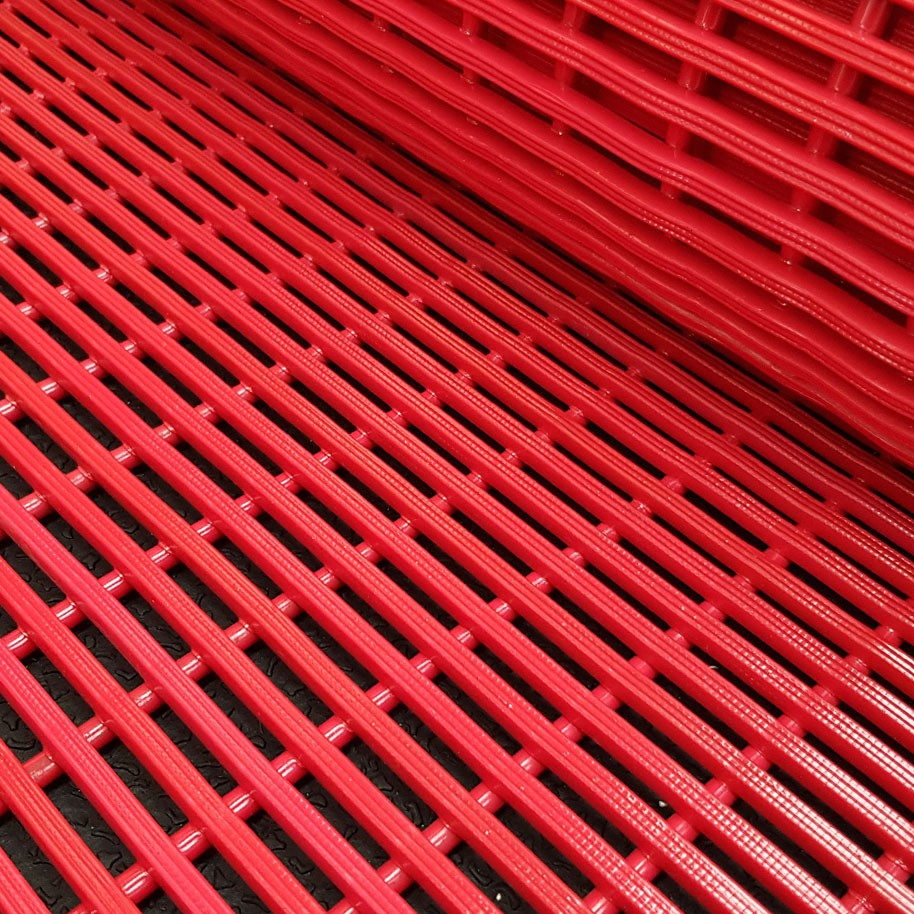 MATTRIX Pool Matting Roll Red 600mm Wide x 12mm